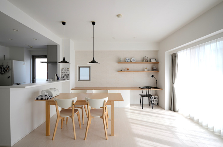 Dining room by 株式会社ラブ・アーキテクチュア, Scandinavian Wood Wood effect