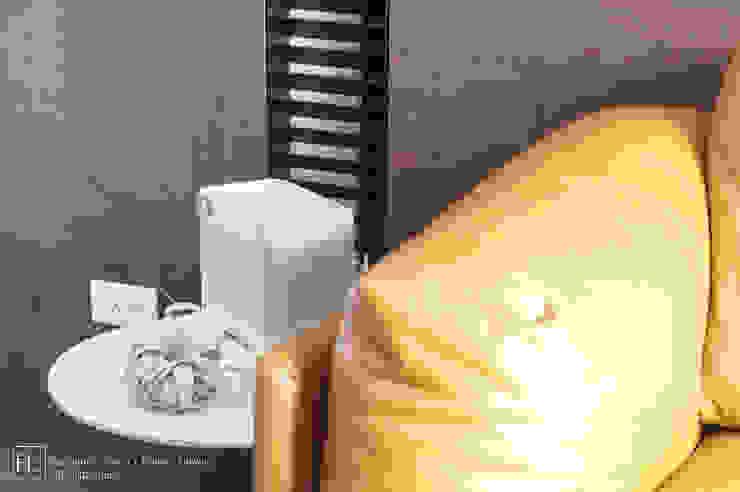 客廳 / Living room 现代客厅設計點子、靈感 & 圖片 根據 SECONDstudio 現代風