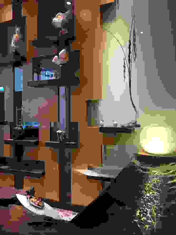 Artistic Display Modern living room by FINE ART LIVING PTE LTD Modern Wood Wood effect