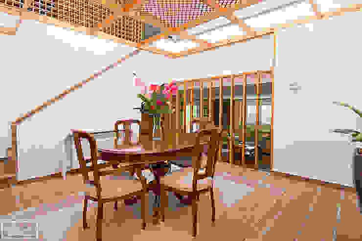 Home Staging casa habitada en Majadahonda - Madrid Theunissen Staging y Decoración SL Comedores de estilo moderno