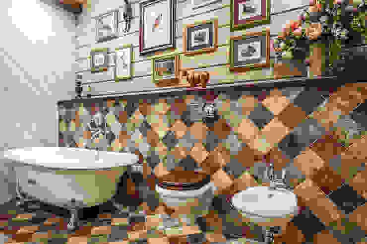 Baños de estilo rural de 'Студия дизайна Марины Кутеповой' Rural Azulejos