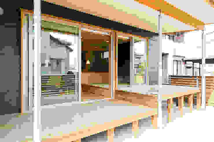 โดย 株式会社山口工務店 โมเดิร์น ไม้ Wood effect