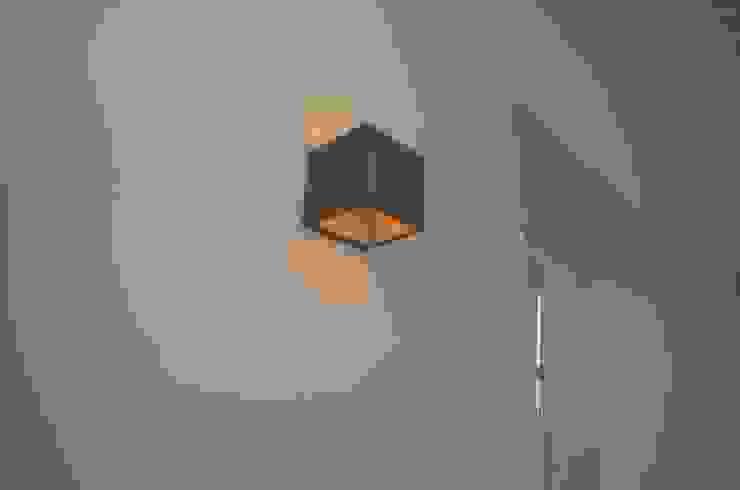 Interieurontwerp hoeve Cortenbach, Voerendaal:  Woonkamer door Ontwerpbureau Op den Kamp,