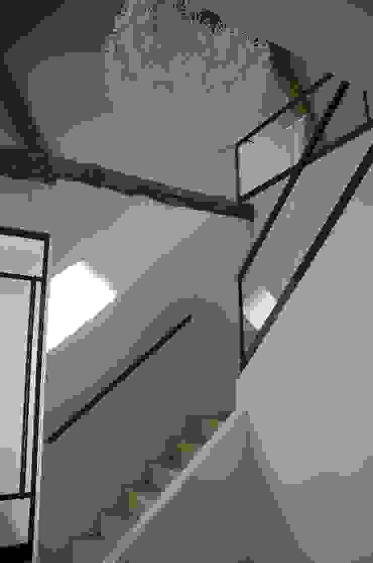 Interieurontwerp hoeve Cortenbach, Voerendaal Industriële gangen, hallen & trappenhuizen van Ontwerpbureau Op den Kamp Industrieel