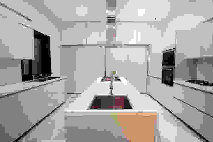 Cocinas de estilo  por Innerspace, Moderno