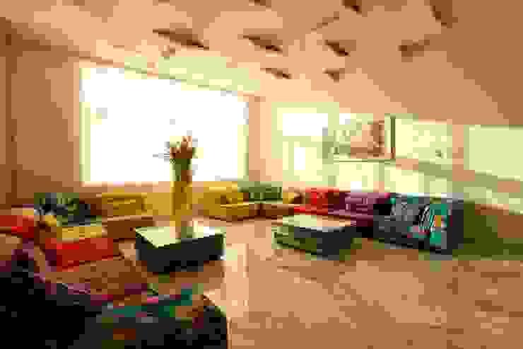 Nemi Villa Innerspace Modern living room