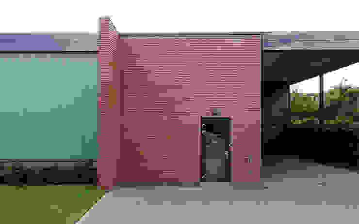 Bedrijfswoning Industriële kantoor- & winkelruimten van [delacourt][vanbeek] Industrieel