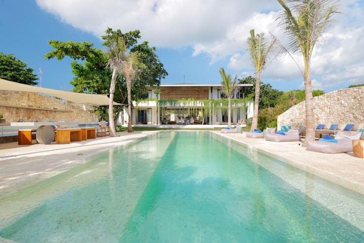 Seascape Villa Pool Tropical style pool by Word of Mouth House Tropical