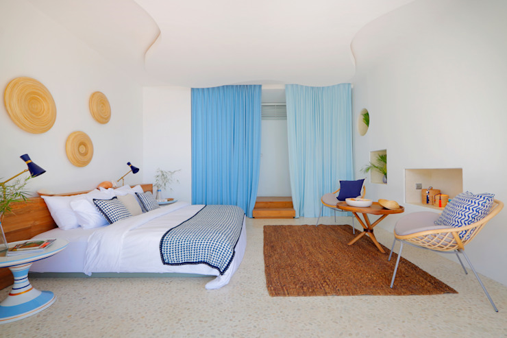 Seascape Bedroom Tropical style bedroom by Word of Mouth House Tropical