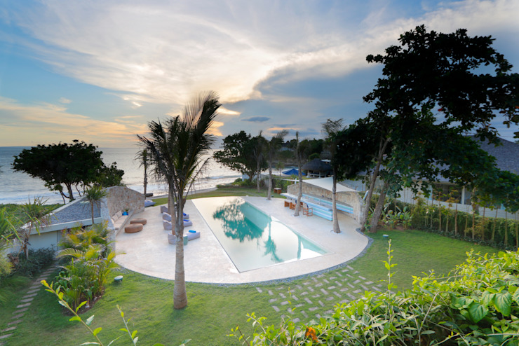 Seascape Villa Sunset Tropical style pool by Word of Mouth House Tropical