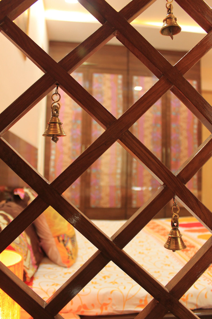 Parent's Bedroom - Pooja Area Wooden Net Dezinebox Modern style bedroom