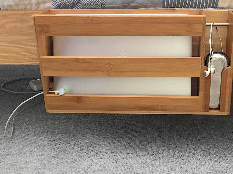 Clip on Bed Hanging Laptop & Glasses Rack Finoak LTD DormitoriosMesitas de noche Bambú Acabado en madera