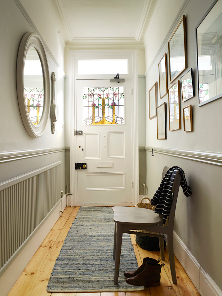 Southwold Coastal retreat Classic style corridor, hallway and stairs by Imperfect Interiors Classic