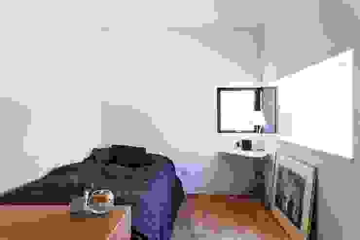 個室 ミニマルスタイルの 寝室 の 石川淳建築設計事務所 ミニマル