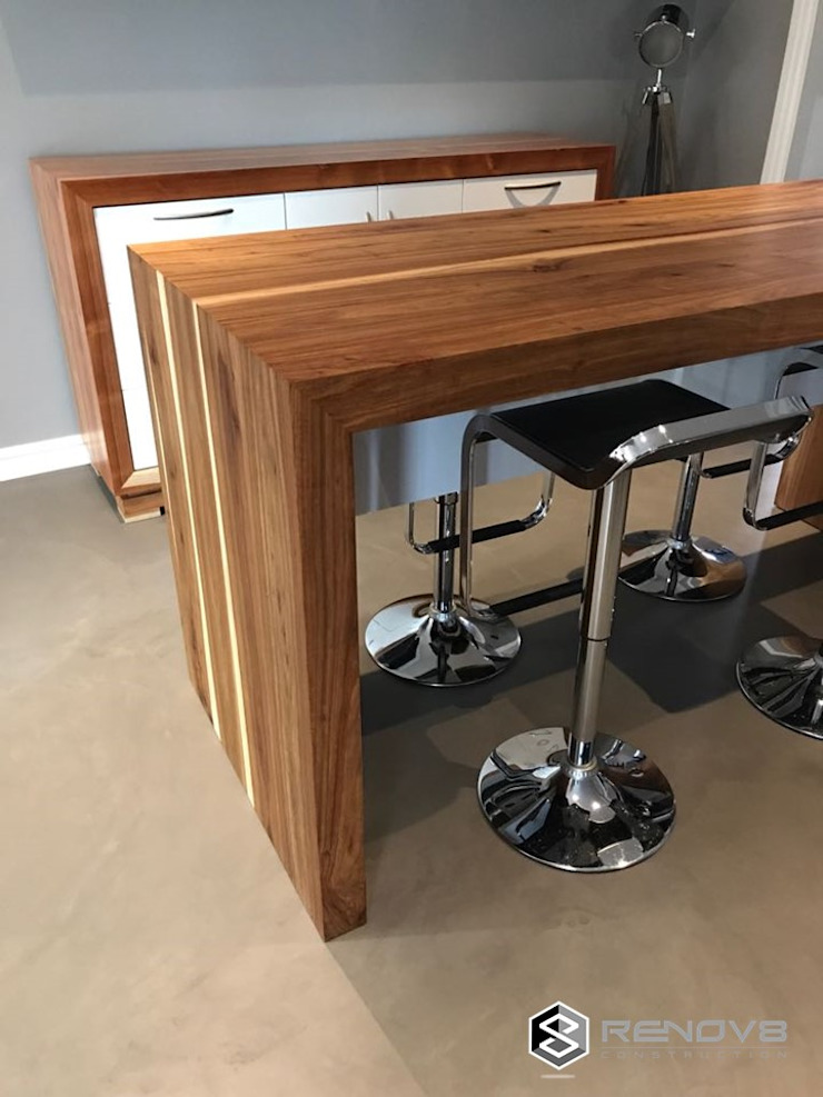 JOINERY DEPARTMENT Modern dining room by Renov8 CONSTRUCTION Modern