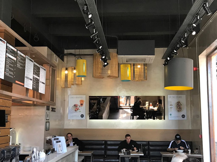 Shop Fit-outs:  Offices & stores by Renov8 CONSTRUCTION, Modern