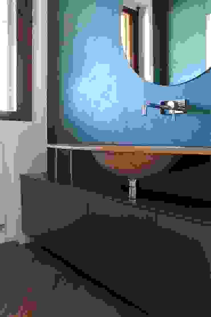 HBstudio Modern Bathroom Blue