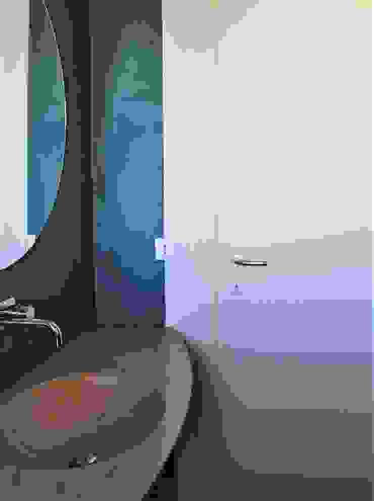 HBstudio Modern Bathroom Yellow