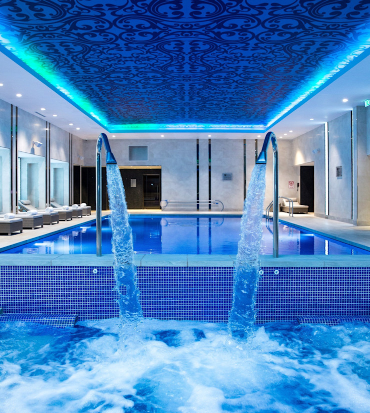 Award Winning Pool and Spa at InterContinental London - The 02 Hoteles de estilo moderno de London Swimming Pool Company Moderno Hormigón