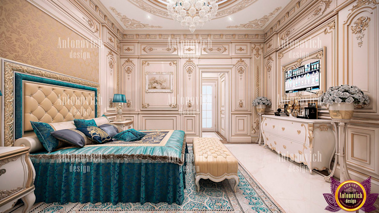 ​Interior of the bedroom with a mood of eternal happiness from Katrina Antonovich Classic style bedroom by Luxury Antonovich Design Classic