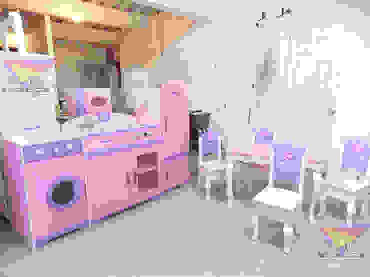 Divino comedorcito y cocina de camas y literas infantiles kids world Clásico Derivados de madera Transparente