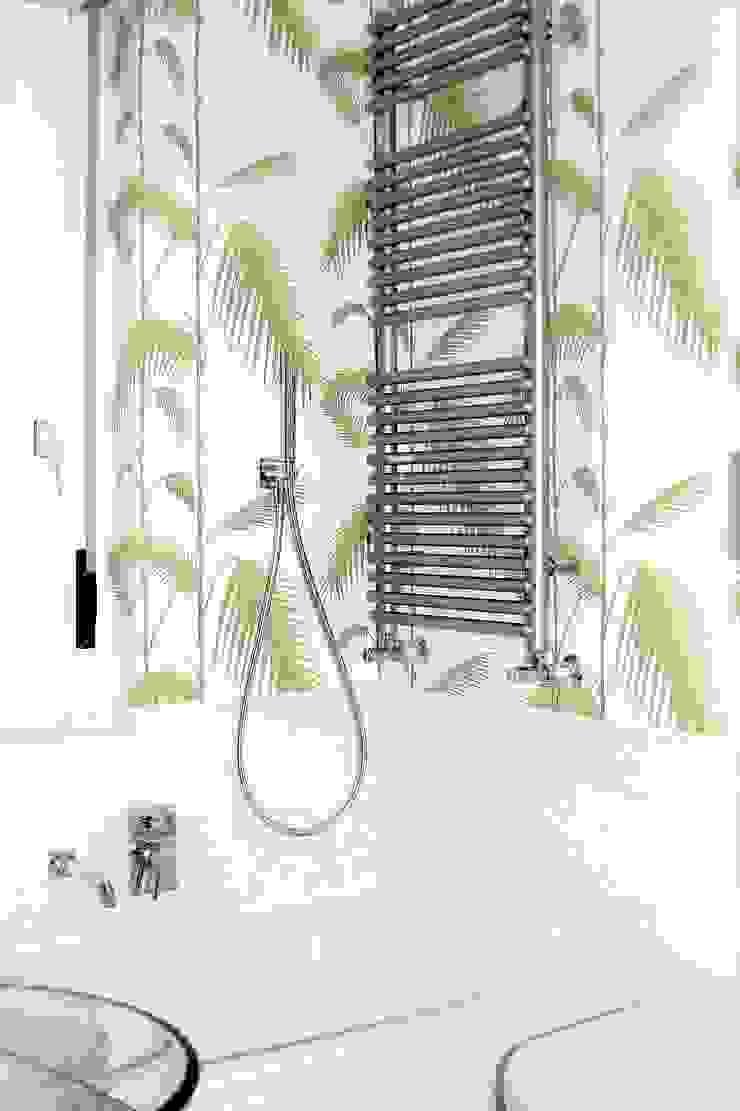 Modern Bathroom by HBstudio Modern