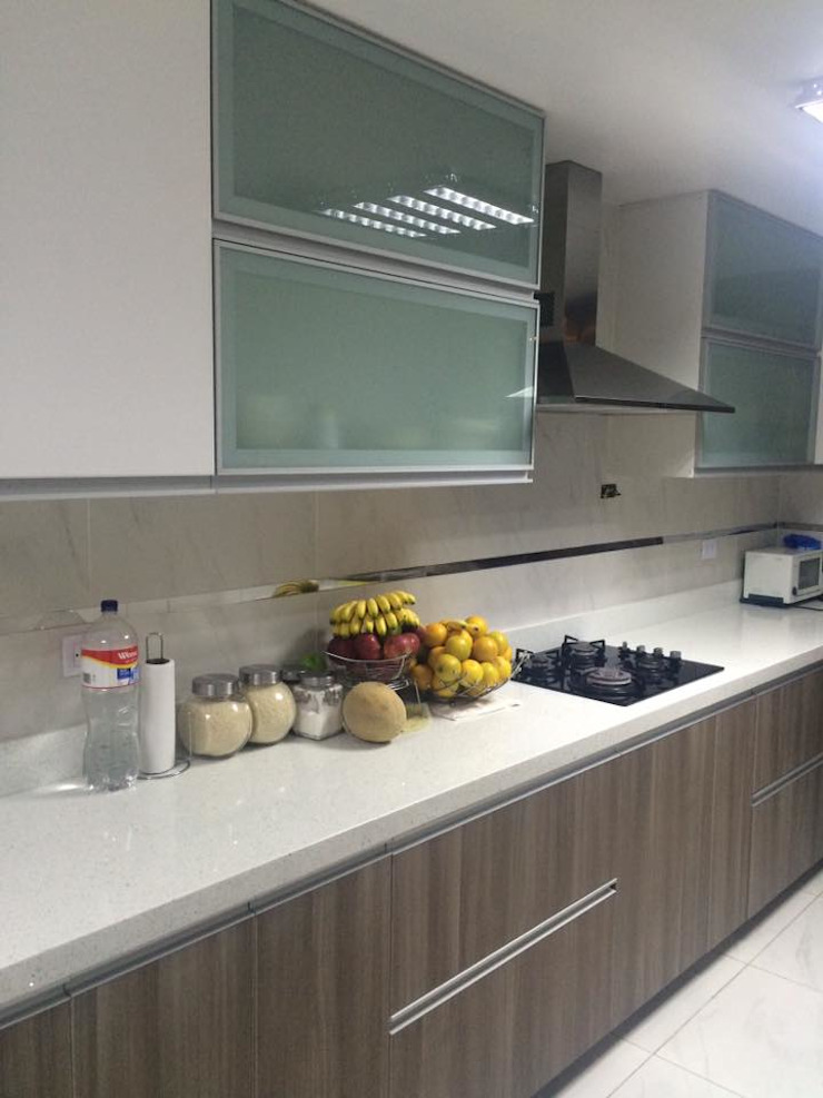 Modern kitchen by YR Solutions Modern