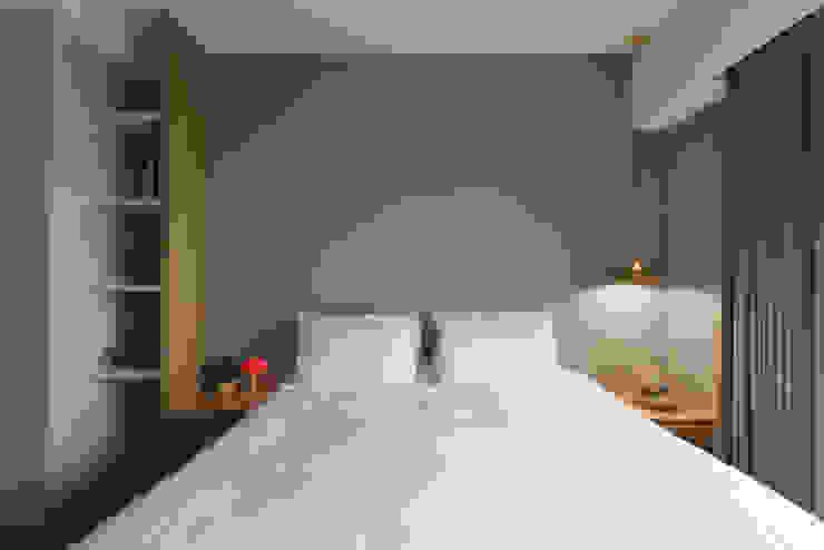Quartos modernos por 寬宸室內設計有限公司 Moderno