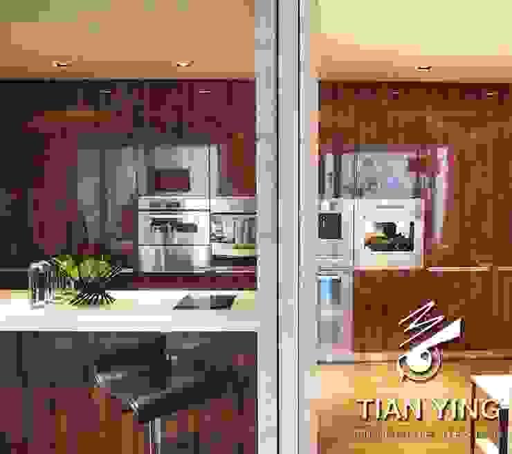 住宅空間設計-公共領域/廚房 現代廚房設計點子、靈感&圖片 根據 天英設計工程 現代風