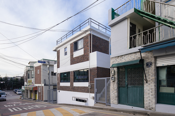 배다리주택 '오붓' by AAPA건축사사무소 모던