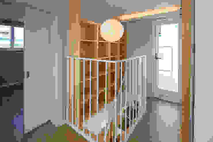 Moderne Wohnzimmer von AAPA건축사사무소 Modern