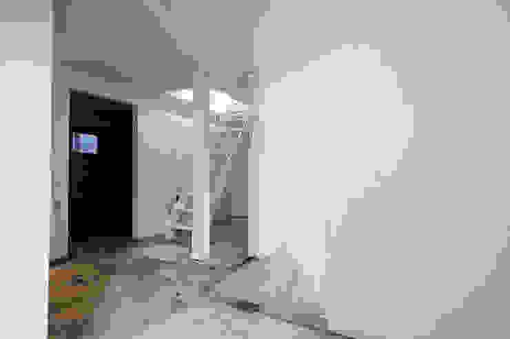 배다리주택 '오붓' 모던스타일 미디어 룸 by AAPA건축사사무소 모던