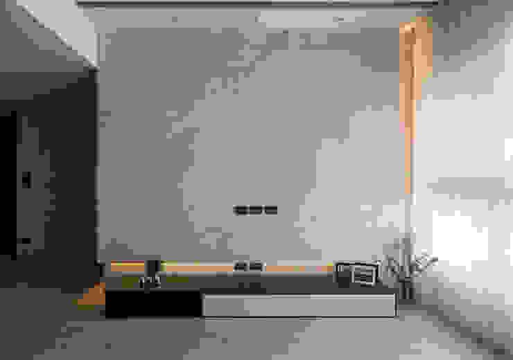 簡‧形體 现代客厅設計點子、靈感 & 圖片 根據 橙羿設計有限公司 現代風