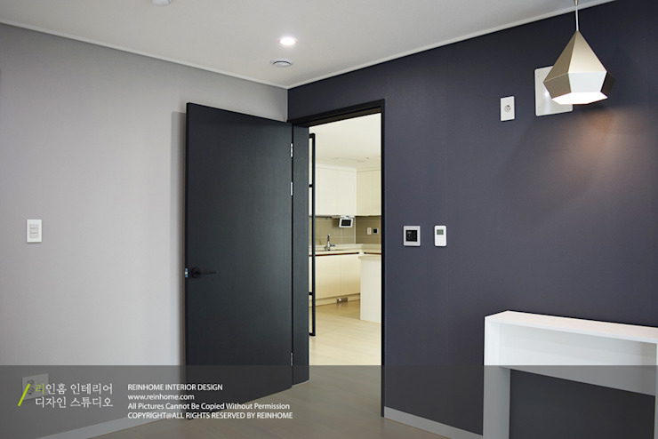 하남 미사강변신도시 LH 7단지 34평형 모던스타일 미디어 룸 by 리인홈인테리어디자인스튜디오 모던