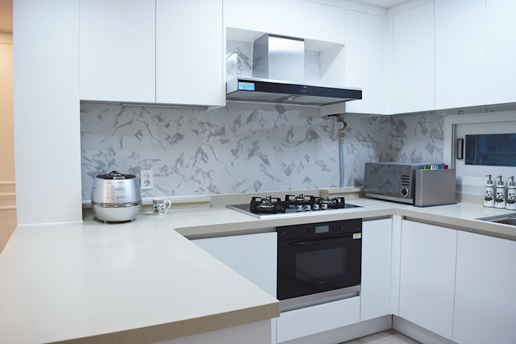 Nhà bếp phong cách hiện đại bởi 리인홈인테리어디자인스튜디오 Hiện đại