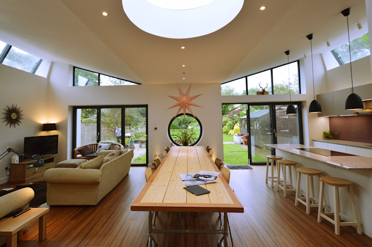 Architect designed residential extension Stoneleigh KT17 – View to the garden GOAStudio | London residential architecture Modern dining room