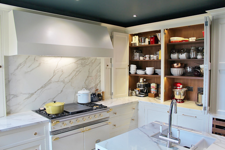 North London Apartment Classic style kitchen by Place Design Kitchens and Interiors Classic