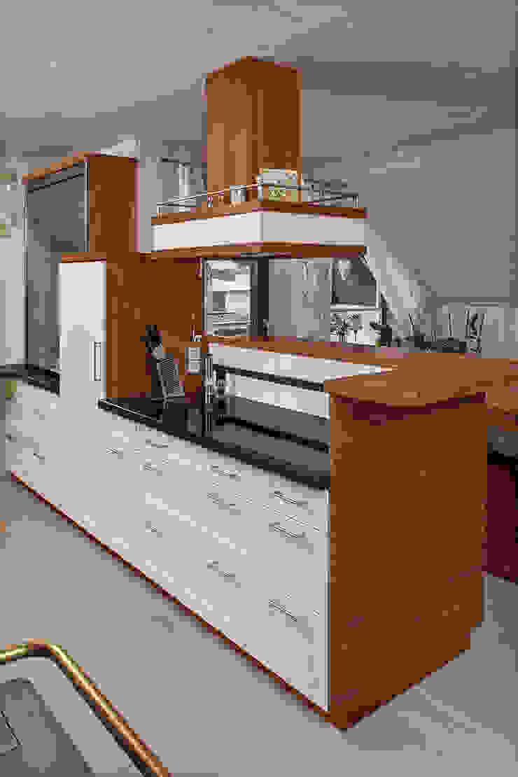 Bau- und Möbelschreinerei Mihm GmbH & Co. KG Built-in kitchens Wood