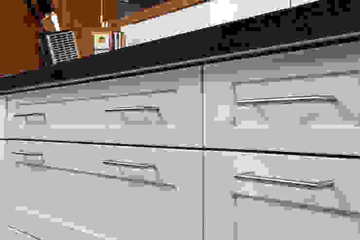 Bau- und Möbelschreinerei Mihm GmbH & Co. KG Built-in kitchens MDF