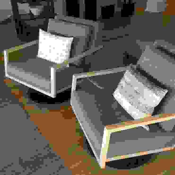 modern  by MINIM INTERIOR DESIGN, Modern Solid Wood Multicolored