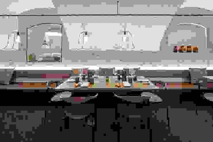 Rossbarth Moderne Gastronomie von destilat Design Studio GmbH Modern