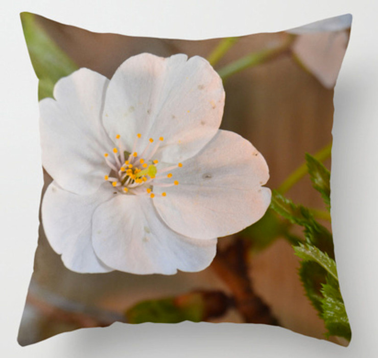 Pillow cover Spring Blossom: modern  door ilsephilips, Modern