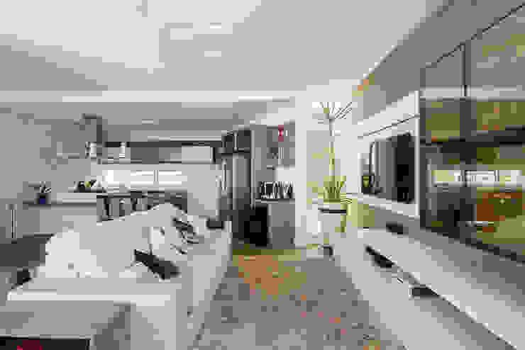 Modern Living Room by Aresto Arquitetura Modern