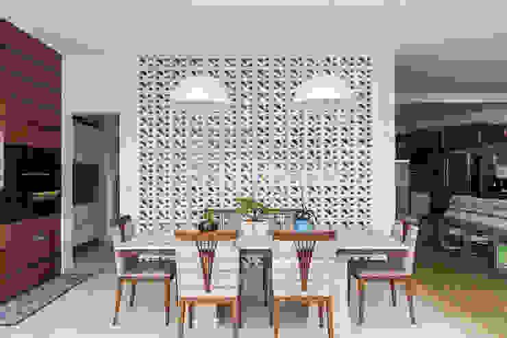 Casa Caxambu Salas de jantar modernas por Aresto Arquitetura Moderno