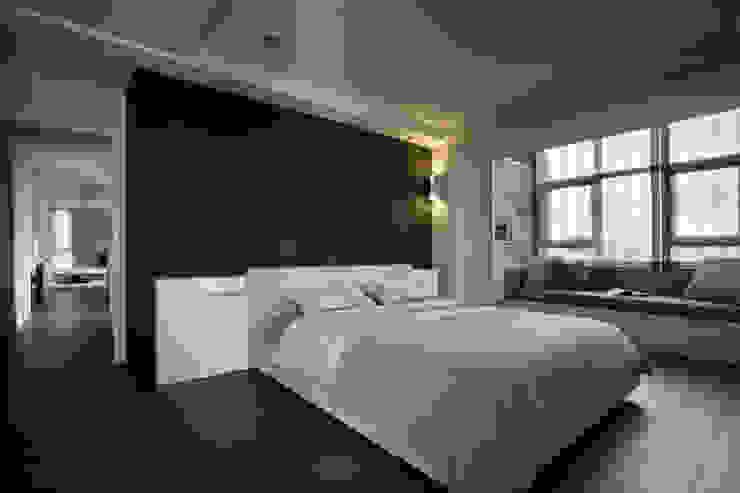 建築與詩7F: 現代  by 台中室內設計-築采設計 , 現代風