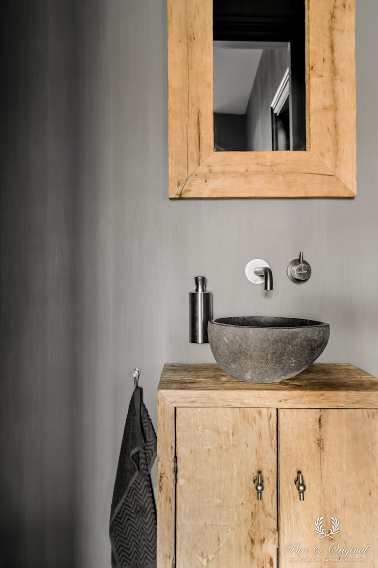 Fresco kalkverf in de kleur Ground Pepper Landelijke badkamers van Pure & Original Landelijk