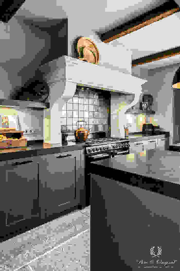 Fresco kalkverf in de kleur Wet Sand Landelijke keukens van Pure & Original Landelijk