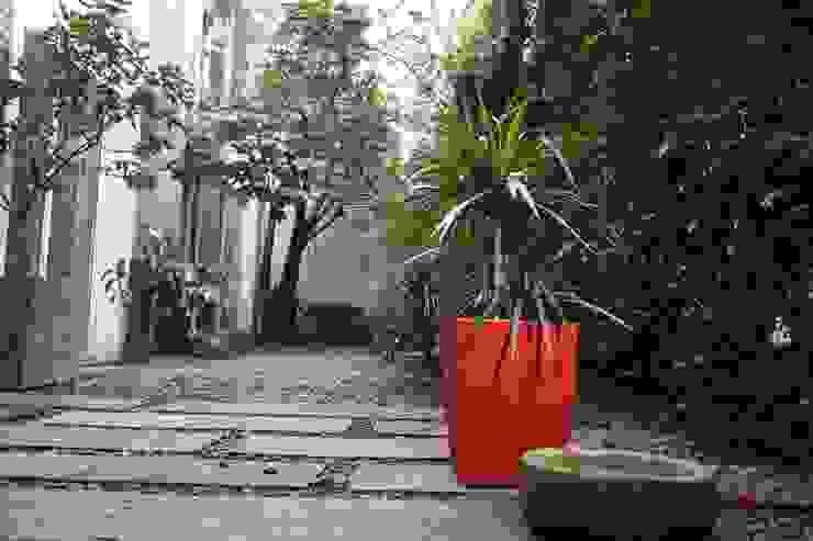 Matera 40cm color Rojo de Viridis Productos Eco Amigables Moderno Plástico