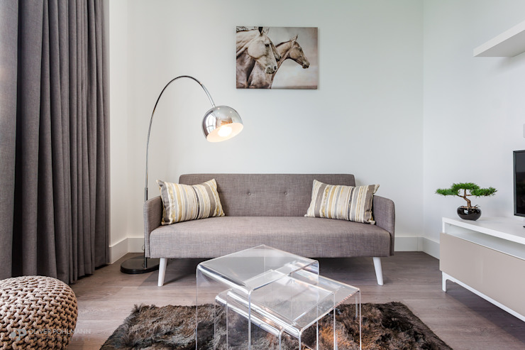 Residential Photography by Oliver Pohlmann Minimalist living room by Oliver Pohlmann Photography Minimalist