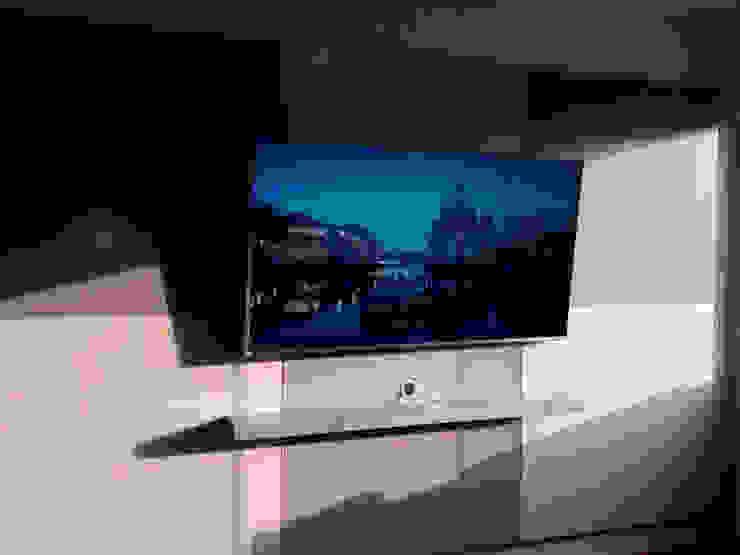 Mueble tv moderno y minimalista de Minimalistika.com Minimalista Aglomerado